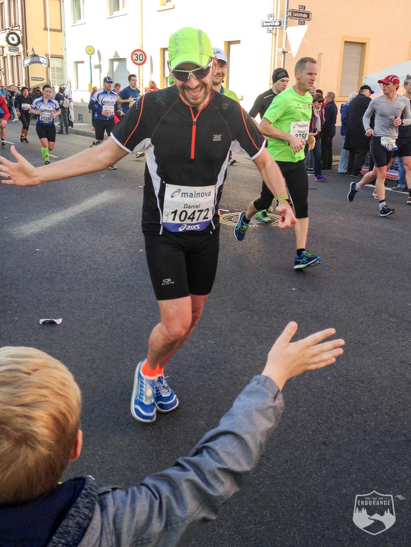 Frankfurt, Höchst, Marathon, Abklatschen, Fun, Sohn, Spaß