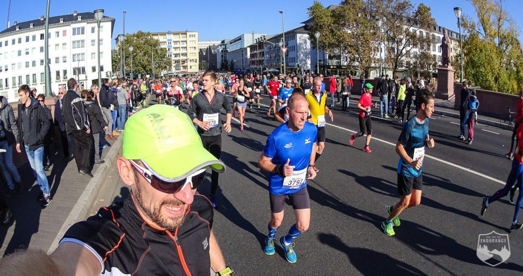 Frankfurt Marathon, Wetter, Brücke, Läufer, Marathon, Running, 2016